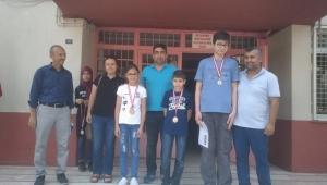 Şadi Turgutlu Ortaokulu sınıf birincilerini ödüllendirdi