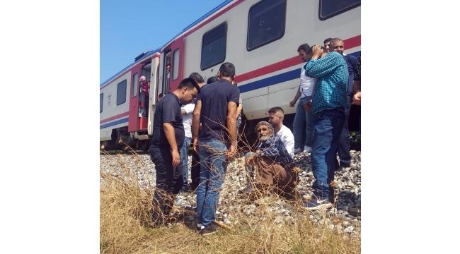Yolcu treninin çarptığı yaşlı adam yaralandı