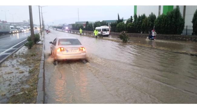 Turgutlu'da ulaşıma yağmur engeli