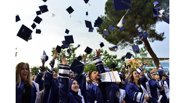 Turgutlu MYO, 24'üncü dönem mezunlarını uğurladı