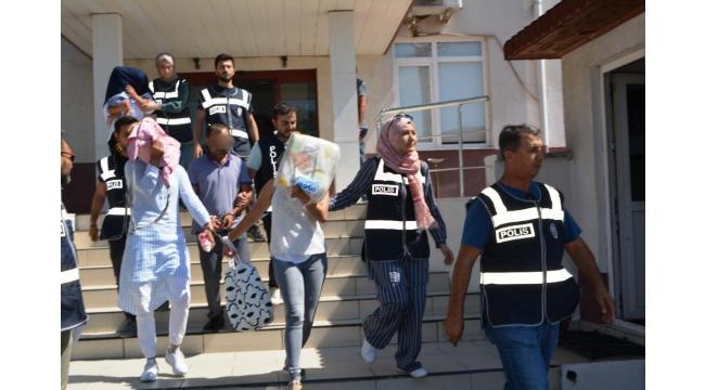 Ayvalık'ta evden hırsızlık zanlıları Turgutlu'da yakalandı