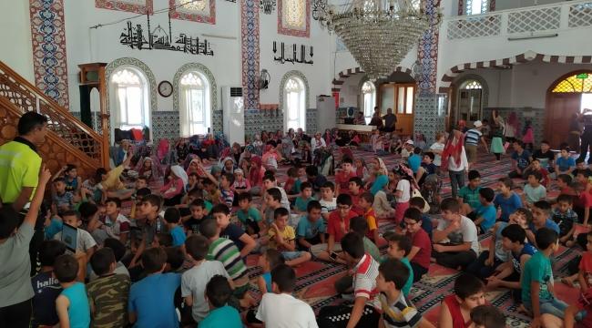 Kur'an kursu öğrencilerine camide trafik eğitimi