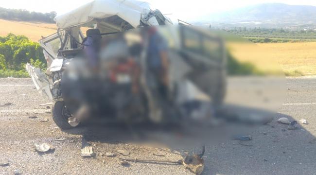 Zincirleme kaza: 6 ölü, 20 yaralı