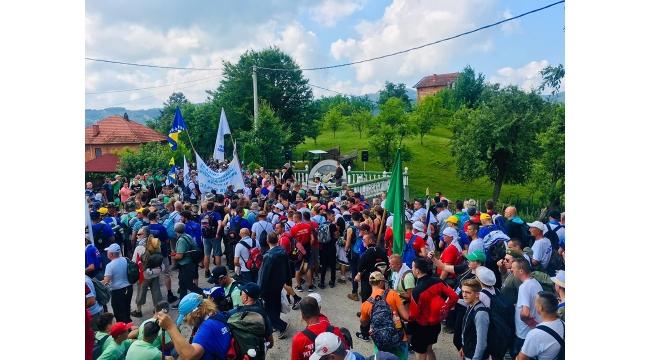 Zirve dağcıları Marş Mira yürüyüşüne katıldı