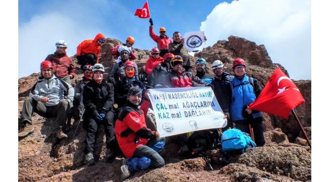 3917 metrelik Erciyes Dağı'nda 'vahşi madenciliğe hayır!'