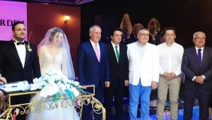 CHP'li İnce, Turgutlu'da İrem-Hüseyin çiftinin nikah şahidi oldu