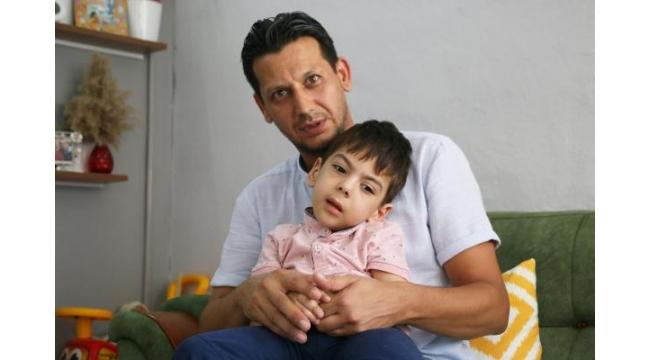 Minik Ömer'in ailesi, tedavi için destek bekliyor