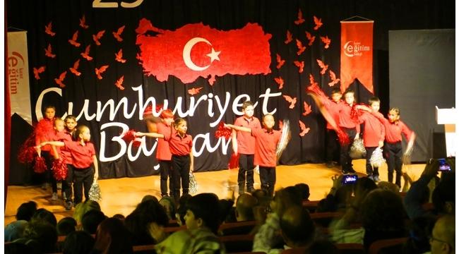 Kent Eğitim Koleji Turgutlu Kampüsünün 'Cumhuriyet' etkinliğine yoğun ilgi VİDEO