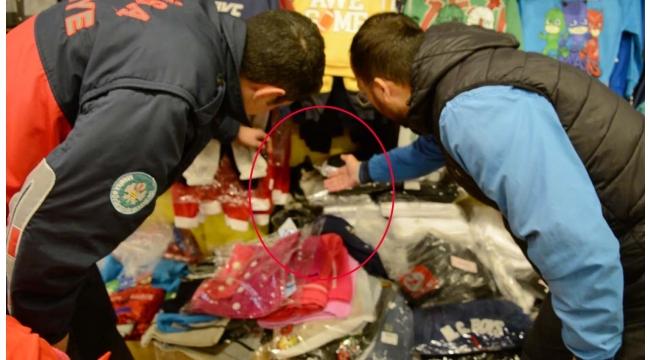 Giyim mağazasını dağıtan kediyi itfaiye ekibi yakaladı (VİDEO)