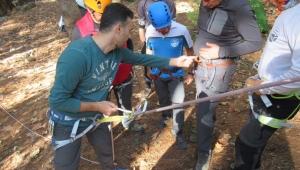 Kursiyer dağcılar uygulamalı eğitimlerini Kemalpaşa'da yaptı