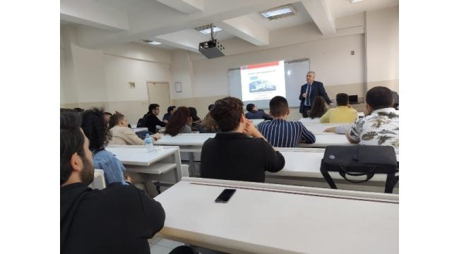 Turgutlu MYO öğrencilerine 'Erasmus Yurtdışı Hareketliliği' bilgilendirmesi