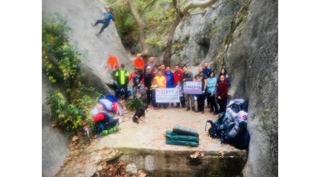 Zirve Dağcılık'tan iple iniş ve tırmanış eğitimi