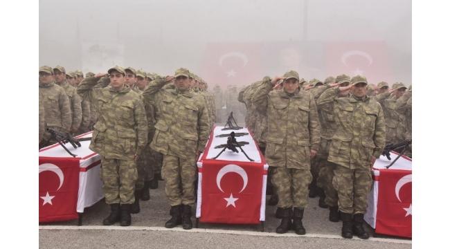 Manisa'da 4 bin 72 Mehmetçik yemin etti