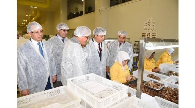 Vali Deniz'den Turgutlu SDA Food Fabrikasına ziyaret