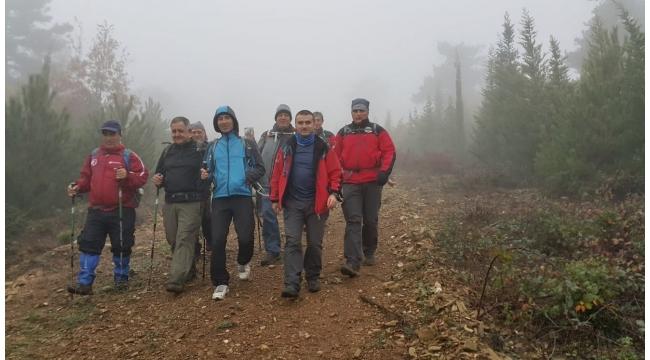 Zirve dağcılarıyla Armutlu Kazan Gölü'nden Mahmut Dağı'na