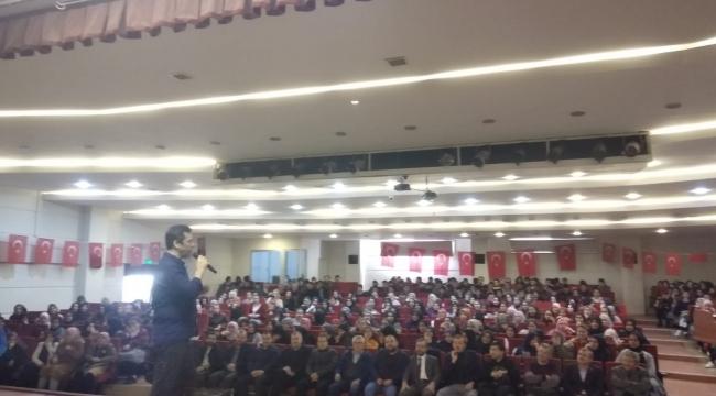 İmam Hatip Lisesi öğrencilerine stand-up gösterisi yapıldı