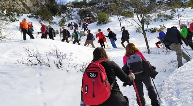 Olympos Dağcıları 'Spil Oduncu Yolu' parkurunda
