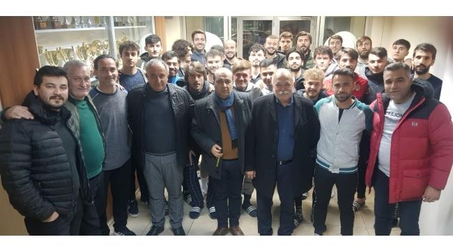 Turgutluspor Yönetimi Teknik Kadro ve Sporcularla Toplantı Yaptı
