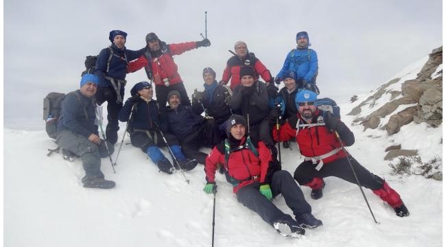 Zirve Dağcılık ve Doğa Sporları Kulübü Bozdağ kış tırmanışında