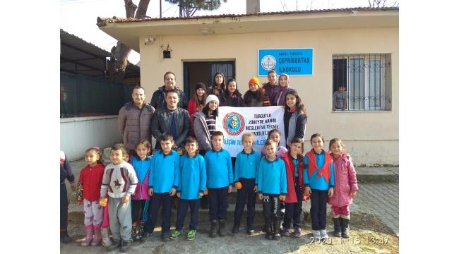 Zübeyde Hanım öğrencilerinden köy okullarına destek