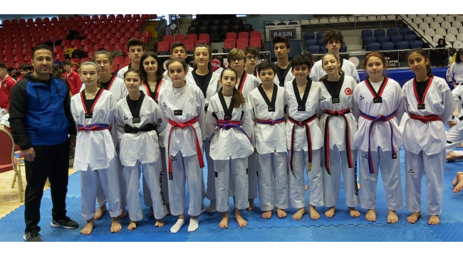 Akbey Akademi'nin 18 sporcusundan 25 madalya!