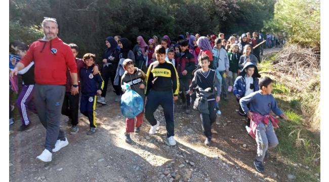 Çıkrıkçılı öğrencilerden doğa yürüyüşü ve çevre temizliği