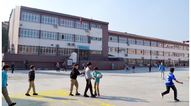 Turgutlu'da 2 okulda ikili eğitim başladı