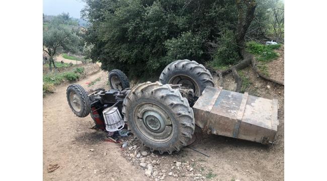 Ters dönen traktörün sürücüsü yaralandı