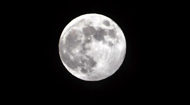 Ay'ın her dönüşümü büyülemeye devam ediyor
