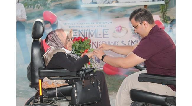 Engelli çiftin aşkı sınır tanımadı