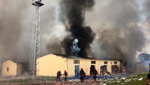 Son Dakika: Sakarya'da havai fişek fabrikasında patlama meydana geldi