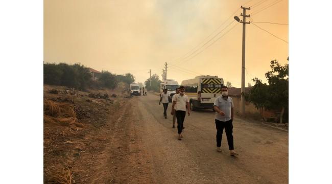 Yangın yeniden başladı, mahalle tahliye edildi