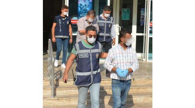 Kendilerine savcı ve polis gibi tanıtıp vatandaşları dolandıran şebeke üyeleri yakalandı