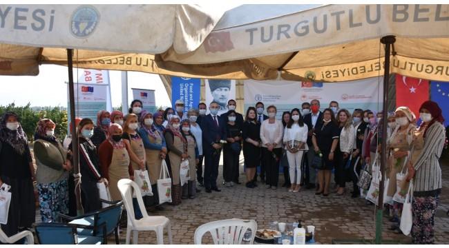'Çiftçi Tarla Okulu' Turgutlu'da eğitime başladı