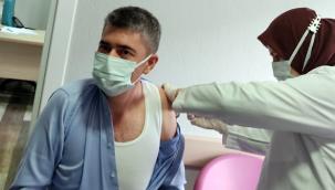 İlçe Sağlık Müdürlüğü personellerine aşının ilk dozu yapıldı (VİDEO)