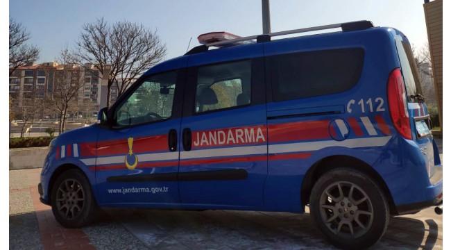 Jandarma dedektifleri JASAT aranan 8 şüpheliyi yakaladı!