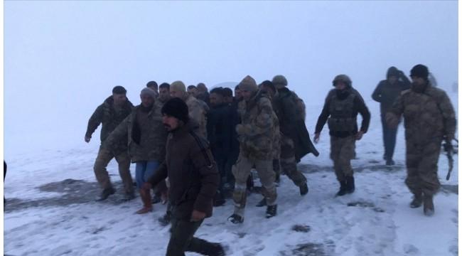 Askeri helikopter kaza kırıma uğradı: 9 şehidimiz var