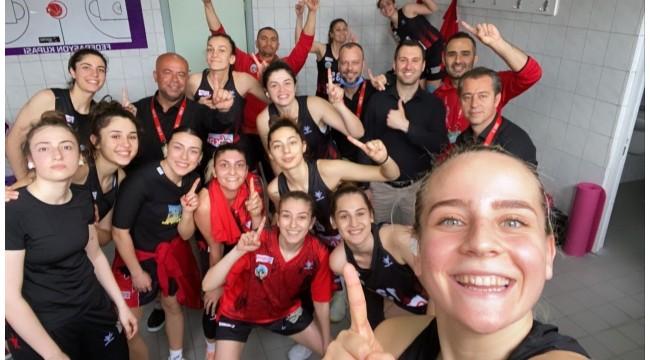 Turgutlu Belediyespor'un kızları 6'lı final grubunda!
