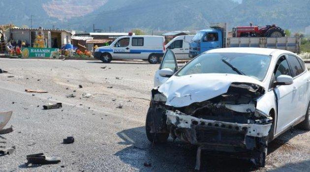 Kavşakta kaza: 1 yaralı