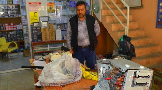 İşyerinden çalınan iki tüfekten biri ve bilgisayar kasası bulundu