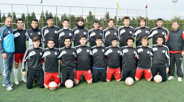 Turgutluspor'un gençleri şampiyonluğa koşuyor