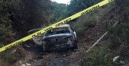 Yanan otomobil içerisinde ceset bulundu