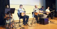 'Korneanın Sesi' müzik grubu konser verdi