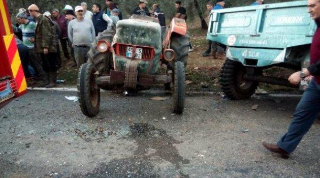 Tarım işçisi taşıyan minibüs traktörle çarpıştı: 9 yaralı